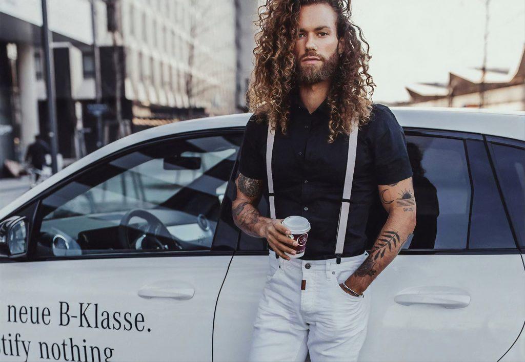 homme cheveux long