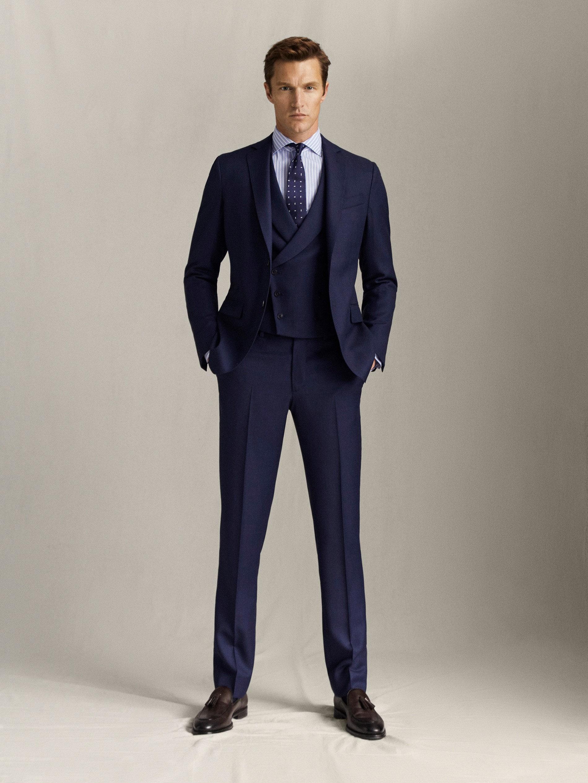 Créez un look élégant de chemise bleue