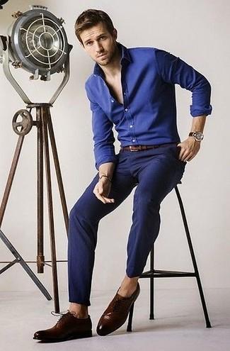 Chemise bleue avec pantalon bleu