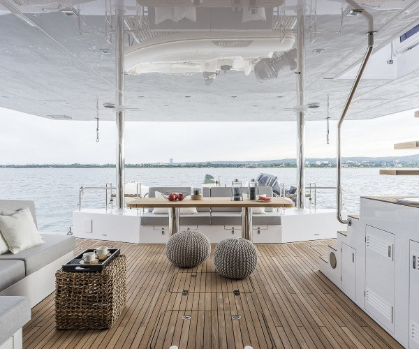 yachts catamaran luxe cadeaux marques