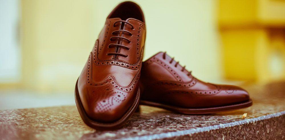 Combinez un chino avec des chaussures Oxford